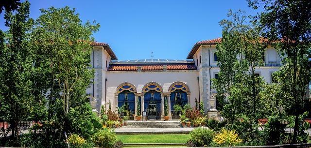 Vizcaya-gardens-miami